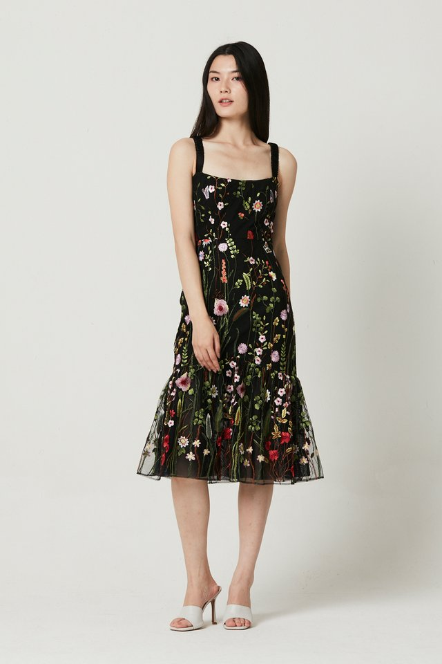 [PRE-ORDER] EMBROIDERY DRESS