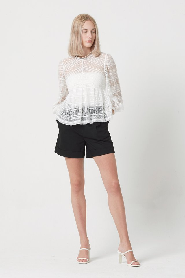 LACE TOP WITH INNER TUBE