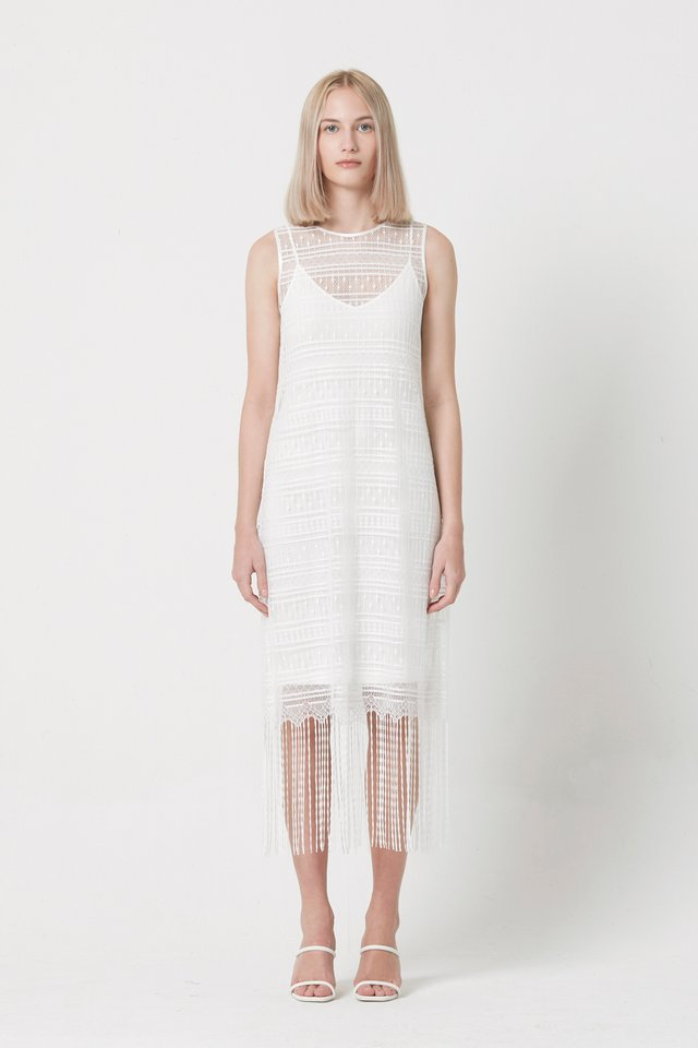 LACE DRESS WITH INNER PIECE